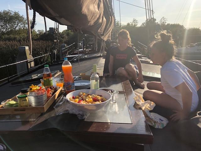 lunch aan dek